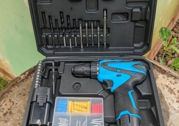 25 Piece Cordless Drill and Screwdriver Set For Sale